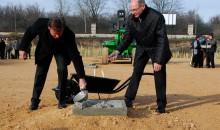 Új üzemcsarnok alapkövét helyezték el